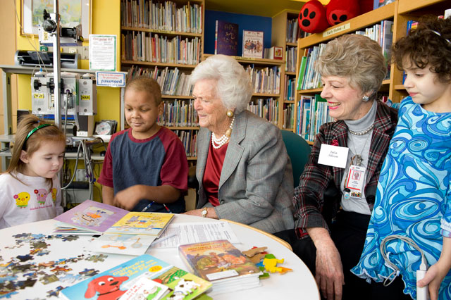 Pi Beta Phi Patient/Family Library turns 30!