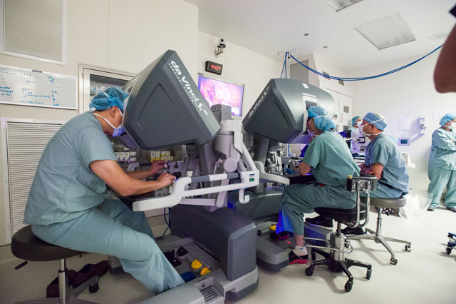 Robotic Surgery Program surpasses 100th case