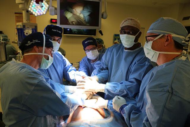Texas Children's Fetal Center performs milestone fetoscopic procedure on NTD patient