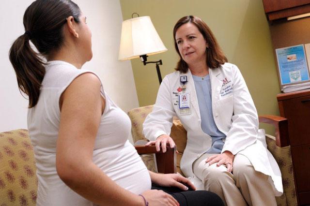 Pilot program enhances early diagnosis and treatment of maternal depression