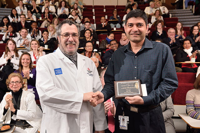 Texas Children's presents Rudolph award to fellow