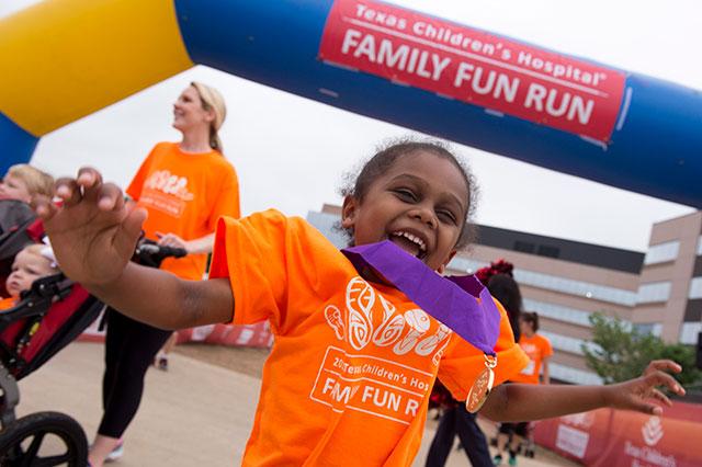 Third annual Family Fun Run draws 3,500 participants