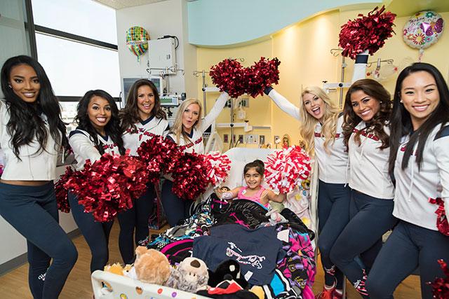 Houston Texans cheerleaders host cheerleading camp at hospital