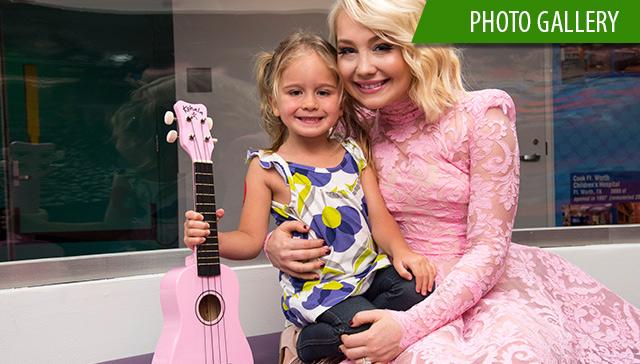Singer-songwriter, RaeLynn, donates $10,000 to Texas Children's