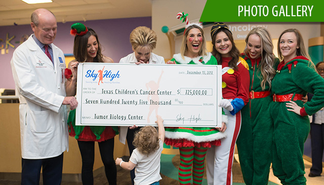 Cancer and Hematology Centers receive donation from regional foundation