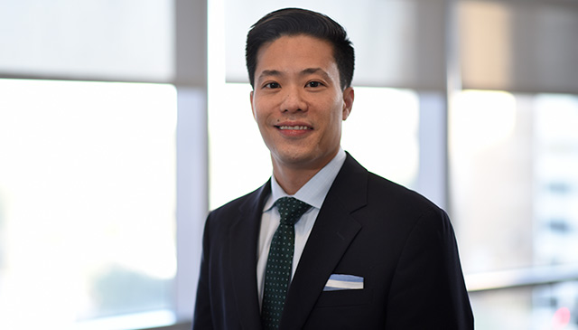 Clinical Research Center/Research Resources Office presents research award to Dr. Daniel Leung