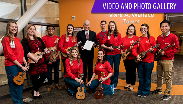 Wallace Tower plaque unveiling, ukulele choir 'officially' dedicate building