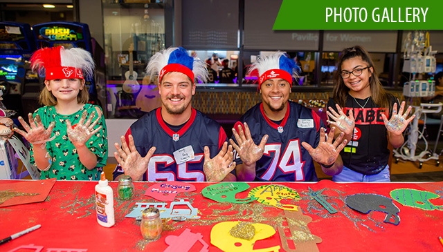 Houston Texans visit Radio Lollipop