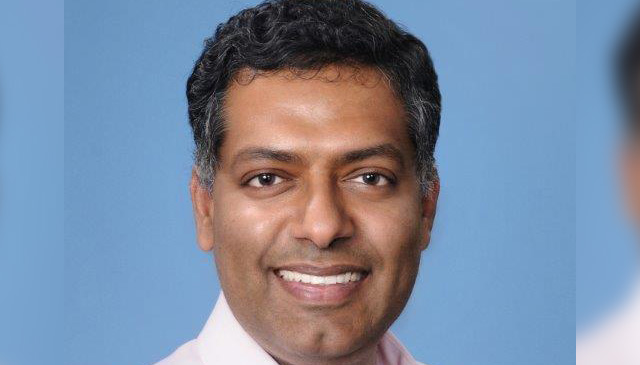 Clinical Research Center/Research Resources Office presents research award to Ananth Iyer